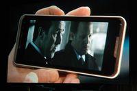 Во время демонстрации на смартфоне воспроизводилось видео высокого разрешения.