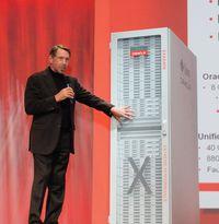 Oracle увеличит число продуктов, включающих в себя как аппаратные, так и программные компоненты; примером подобной системы является Exadata Database Machine