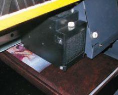 Ежедневник с тёмной обложкой из кожи— отличный объект для проверки всех возможностей принтера