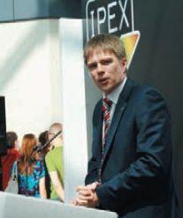 Президентом Ipex-2014 стал директор направления профессиональной печати Canon Europe Дэвид Прескетт — молодой и энергичный. Надеюсь, остальные не воспримут это близко к сердцу…