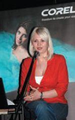 А. Борисова отдала должное удобству работы с PaintShop Photo Pro X3, особенно для начинающих