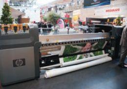 В HP считают, что для печати по тканям флагов, баннеров и т. п. отлично подойдут все принтеры с технологией Latex, включая новый LX800. Количество материалов, совместимых с этими чернилами, множится с каждым днём