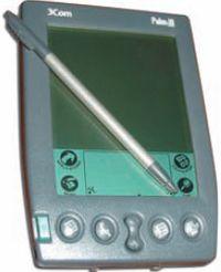 Palm III, пришедший в 1998 г. на замену PalmPilot. Существовала модификация с цветным экраном