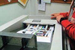 Печать формата А3 в верхний лоток, предназначенный для небольших (по меркам iGen4) тиражей до 100 листов: быстро, быстро, очень быстро…