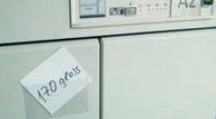 Пластиковые кармашки для обозначения плотности бумаги, которая находится в данном лотке подачи, сотрудники