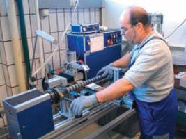 Специальные валики, обеспечивающие бережное обращение сцифровыми оттисками, производятся непосредственно в МВ-Bauerle из стали и специальной резины