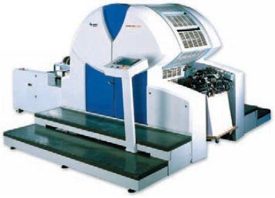 Печатная машина KBA Genius52 хорошо подходит для печати по дорогим материалам, например, лентикулярному пластику. Благодаря планетарному красочному аппарату без деления на зоны, совмещение практически идеально, а на приладку требуется около десятка листов