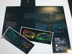 Пример сложной упаковки с эффектом голографического лакирования. Узор играет цветами при смене угла зрения. Отличная защитная технология для производителей элитной упаковки