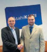 Менеджер европейского отделения Asahi Photoproducts Франк Шпиндель и начальник отдела продаж флексографского оборудования и материалов