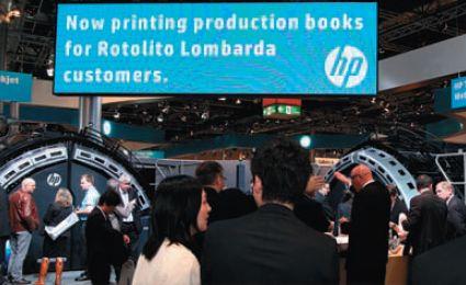 На выставке совместно с заказчиком HP — итальянской Rotolito Lombarda — был реализован проект по печати 10-ти различных руководств по эксплуатации технического оборудования. Книжные блоки печатались на HP T410, обложки — на HP Indigo, а фальцовка, подборка и переплёт выполнялись на системе MЭller Martini