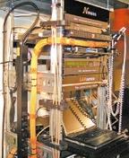 Система контроля LANsense. Стенд с демонстрацией системы LANsense занимал центральное место на выставке решений Nexans.