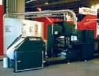 Xerox iGen3 90 оснащается шестью модулями подачи бумаги общей ёмкостью 30 000 листов. При опциональной ролевой подаче запас увеличивается до 50 000 листов