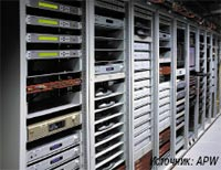 Рисунок 2. При половинном использовании емкости серверных шкафов выделяемая тепловая мощность составляет от 4 до 8 кВт; теоретически данное значение может увеличиться до 18 кВт.