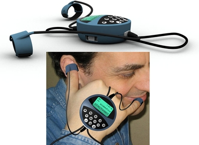 Чтобы на самом деле позвонить по телефону Handphone, созданному дизайнером Массимо Мараццо из компании Biodomotica, нужно сделать жест, которым люди обычно показывают –