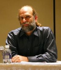 Брюс Шнайер – директор по технологиям безопасности компании BT. Его новая книга