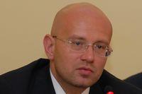 По словам Дмитрия Назипова, в результате кризиса количество клиентов и расчетных документов увеличилось на десятки процентов