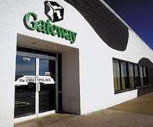 Тем, кто опасается, что знакомая эмблема Gateway— черно-белая корова— исчезнет скомпьютеров после приобретения компании, не стоит беспокоиться: Acer собирается не только сохранить брэнд Gateway, но ирасширить его использование