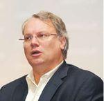 По мнению Марка Таунсенда, моделирование данных при разработке приложений средствами Oracle сокращает жизненный цикл разработки приложения до пяти фаз: моделирование, разработка, тестирование, развертывание имониторинг