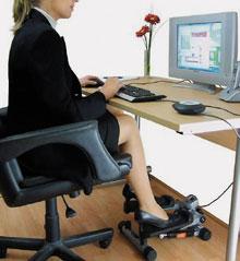 В Gamercize подчеркивают, что тренажер GZ PC-Sport & Power Stepper не просто уменьшенная копия стандартного тренажера-лестницы StairMaster, который можно увидеть во многих спортзалах. Эту машину можно подключить кклавиатуре или мышке через порт USB. Можно просто использовать его по желанию, аможно настроить так, чтобы клавиатура или мышка работала только тогда, когда служащий тренируется