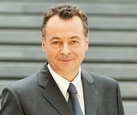Бернд Бишофф уверен в том, что 2008 финансовый год будет благоприятным для бизнеса компании