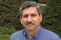 Дипак Танеджа -- основатель, президент и директор по технологиям компании Aveksa.