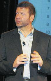 Пол Кормье, исполнительный директор Red Hat по разработке, подчеркнул модульность новой ОС