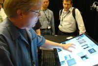 Более всего создатели LaserTouch подчеркивают тот факт, что их новая разработка может работать практически с любым плоскопанельным дисплеем, в том числе и с проекционным экраном
