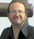 Майкл Зейсер: «Когда-нибудь суперкомпьютер будет умещаться на ладони. При этом может возникнуть любопытная проблема, поскольку обычные способы монтажа полупроводниковых схем войдут впротиворечие сновыми свойствами материалов»