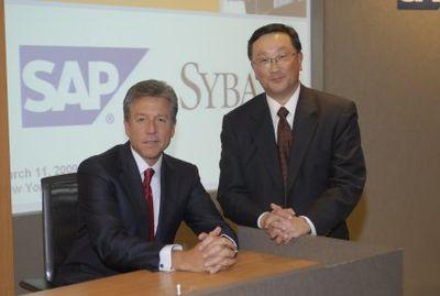 Две компании намерены предложить доступ к бизнес-приложениям с мобильных устройств, сообщили президент SAP по международным операциям Билл Макдермотт и генеральный директор Sybase Джон Чен