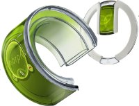 Образец телефона Nokia Morph, изготовленный из гибких материалов, эластичных, словно паутина, вполном соответствии со своим названием из традиционного мобильного телефона легко превращается вбраслет