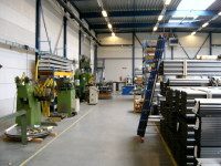 Общая площадь фабрики в Веерте составляет 12 тыс. квадратных метров. По словам представителей Projecta, это крупнейшее производство проекционных экранов в Европе