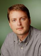 Дэвид Фило в апреле 1994 года стал одним из создателей поискового сервиса Yahoo Internet, а в апреле 1995 года - соучредителем компании Yahoo! Фило выступал в роли главного технолога компании.