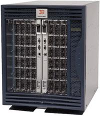 Выпуск продуктов, базирующихся на Brocade Data Center Architecture, начался сдемонстрации всередине октября модернизированной версии директора Brocade 48000, пропускная способность которого удвоилась