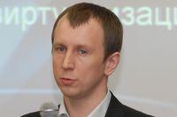 По словам Юрия Ларина, пакет Enterprise Desktop Virtualization упрощает работу с виртуальными машинами для конечных пользователей