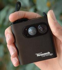 В сравнении с характеристиками современных цифровых фотоаппаратов SenseCam не производит сильного впечатления, однако его вполне достаточно для того, чтобы дать толчок к восстановлению воспоминаний