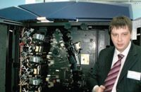 С. Кузьменко признался, что на примере iGen4 он впервые познакомился с машиной, которая полностью избавляет оператора от головной боли из-за полошения на оттисках