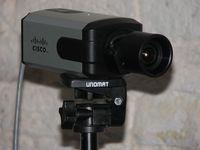Cisco выпускает цветные камеры, которые формируют видеоизображение высокого качества даже при плохой освещенности.