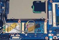 gКак ибольшинство других нетбуков, NC10 оснащен активной системой охлаждения. Вего корпус встроен миниатюрный вентилятор, работающий на выдув горячего воздуха от процессора ижесткого диска. Правда, стоит признать, что эффективность охлаждения не особенно высока