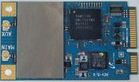 gБеспроводной адаптер WiMAX выполнен ввиде отдельного mini PCI-E модуля (Samsung SWM-S10R), установленного вгнездо, предназначенное для HSDPA. Такое решение далеко не однозначно, ведь помимо WiMAX всистеме установлен отдельный адаптер Wi-Fi ANATEL AR5BXB63, ктому же идля того, идля другого используются отдельные антенны, размещенные под верхней крышкой нетбука