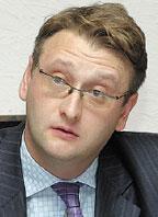 По словам Владимира Смирнова, вбанке не намерены отказываться от отдельных отечественных решений ирассчитывают на симбиоз мощного производительного ядра илучших российских практик