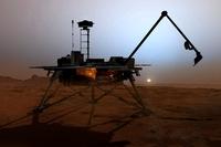 Роботизированный манипулятор длиной 2,5 метра, установленный на Mars Lander, брал образцы льда и почвы, анализ которых выполнялся на борту космического аппарата