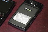 Прототип DMFC для сотового телефона позволяет осуществлять мгновенную перезарядку