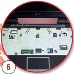 Отсоединяем разъемы сенсорной панели и блока управляющих клавиш