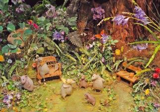 Мышки на лесной опушке... Как живые!