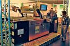 Плоскопечатная трафаретная стоп-цилиндровая машина SPS Vitessa XP поставляется в трёх конфигурациях — для запечатки листов форматов 520в720, 650в900 и 750в1060 мм