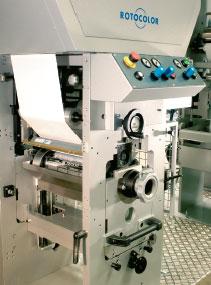 На узкорулонных Rotocolor Rotova, благодаря небольшим габаритам, печатная секция меняется извлечением через боковую стенку