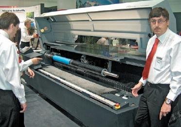 Стенд EskoArtwork. Система лазерного гравирования рукавных и пластинчатых флексоформ Esko Cyrel Digital Imager Advance Cantilever обрабатывает полноформатную пластину за 19 минут