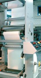 Сервоприводные устройства ввода и вывода полотна в составе Rotocolor Rotova 300 — один из важнейших компонентов качественной работы с тянущимися материалами