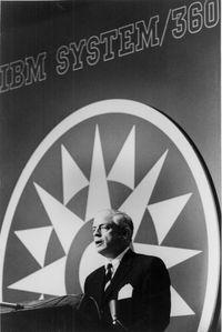 7 апреля 1964 года председатель совета директоров корпорации IBM Томас Ватсон-младший объявил о выпуске представительного семейства совместимых между собой компьютеров System/360