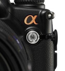 Появление цифровой зеркальной камеры старшего класса Sony Alpha 900 стало логическим завершением усилий разработчиков семейства Alpha